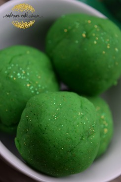 greenglitterplaydough